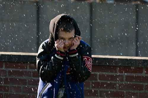 Как не мерзнуть на улице зимой на морозе. Когда наступает обморожение. Переохлаждение, обморожение, отогревание через нижний поток, и чакры ладоней и стоп ,